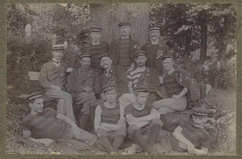 Członkowie Kaliskiego Towarzystwa Wioślarskiego