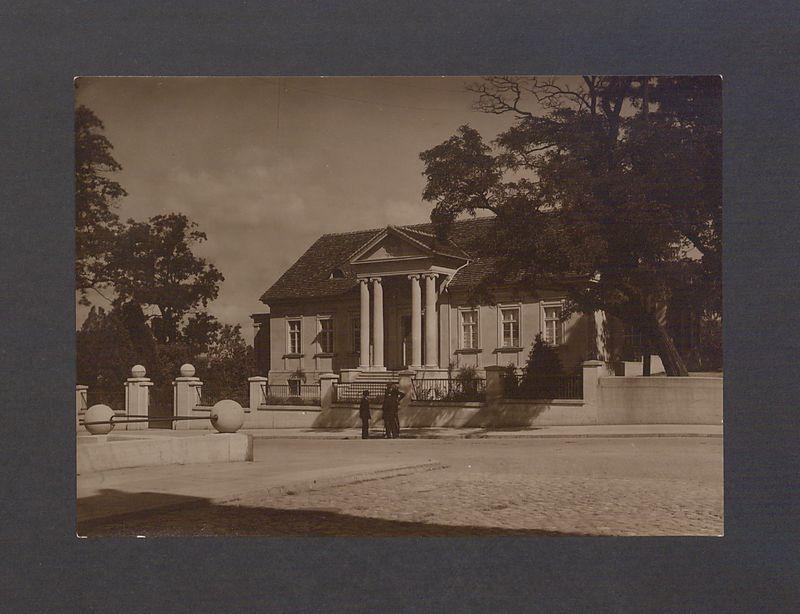 Pałac arcybiskupi.