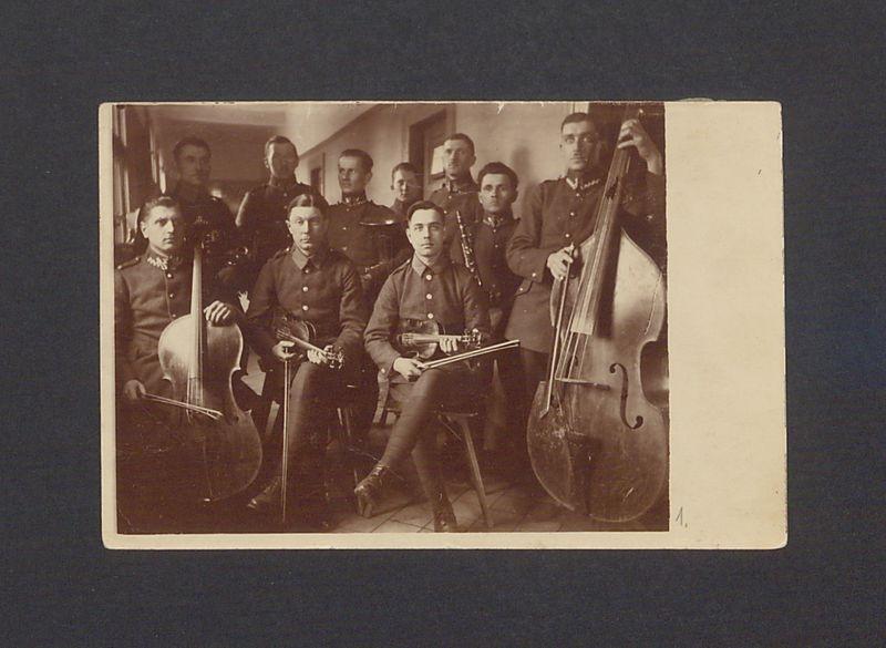 Orkiestra smyczkowa 69 Pułku Piechoty.