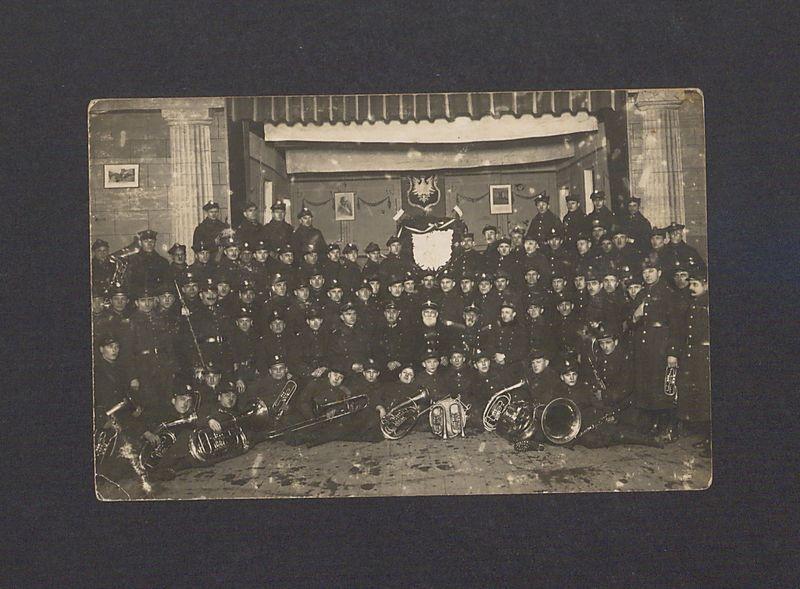 Fotografia pamiątkowa 69 Pułku Piechoty w rocznicę powstania styczniowego.