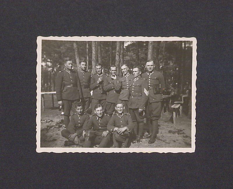 Żołnierze 69 Pułku Piechoty na manewrach w Janowcu Wielkopolskim.