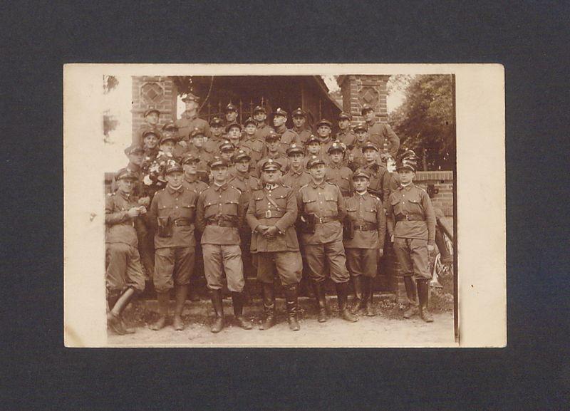 Żołnierze 69 Pułku Piechoty w Łubowie.