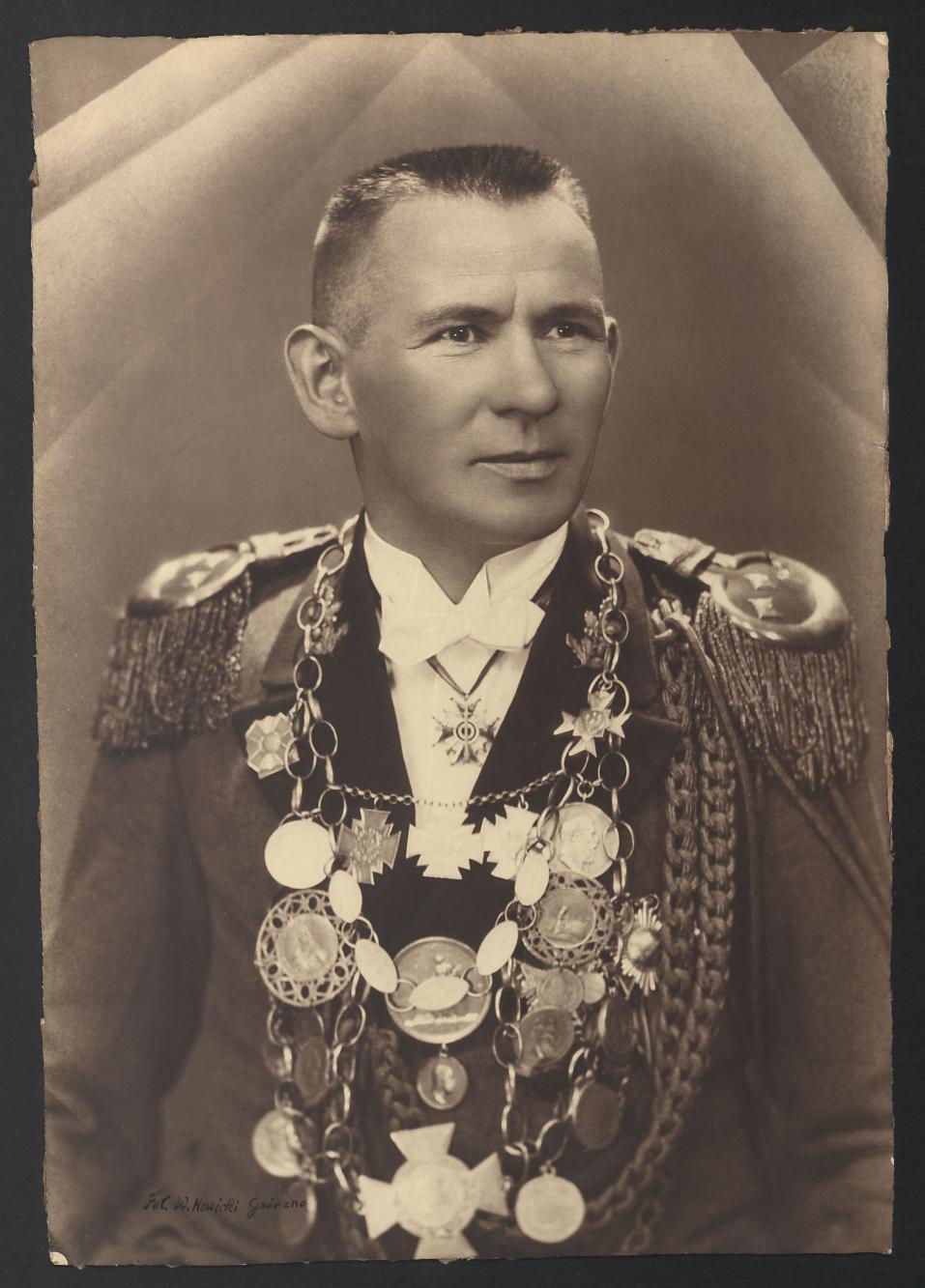 Portret Jana Mikołajczaka