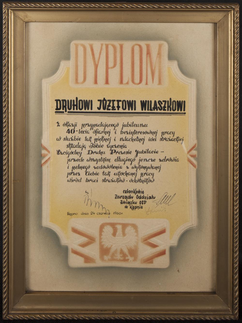 Dyplom dla Józefa Wilaszka z okazji 40-lecia członkowstwa w OSP w Kępnie