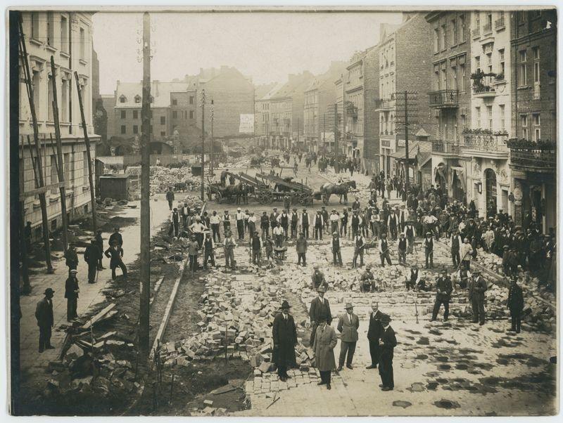 Brukowanie Głównego Rynku w Kaliszu