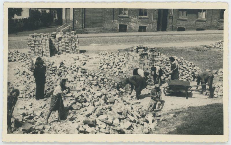Rozbiórka domu przy ulicy Garncarskiej w Kaliszu